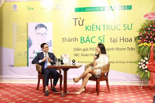 """""""Hãy mỉm cười vì bạn là người Việt, bạn có tất cả những đức tính để thành công…"""""""